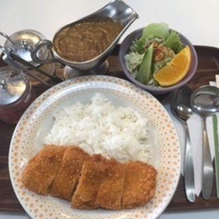 カツカレー(サラダ付)(山路 )