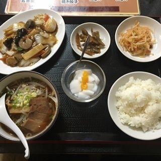 八宝菜定食(餃子の富都 )