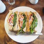 BLTサンドサンドイッチ
