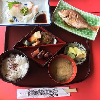 刺身定食(喫茶・お食事・おみやげ かもめ )