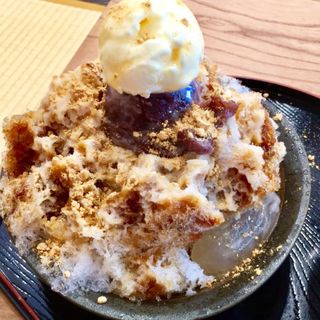 大島金時ミルククリームわらびきな粉氷(雀おどり總本店)