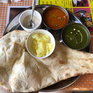 Bセット(キーマカレー、サグチキン)(インドレストラン マディナハラル)