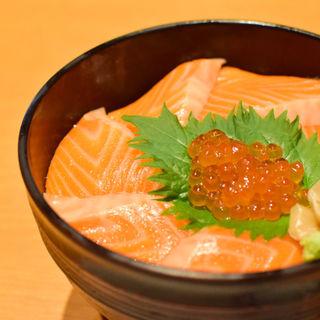 サーモンいくら丼(レストランさすいち )