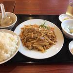 豚肉とジャガイモの炒め物 (ランチ)