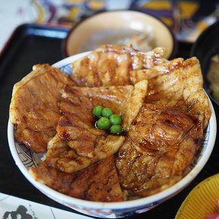 豚丼(あしょろ庵 (アショロアン))