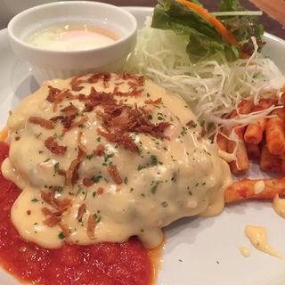 チーズフォンデュソースのハンバーグ(キッチンばんばんざい 田町店 )