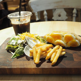 デビルピタサンドイッチ(ベシャメルカフェ (Béchamel Café))