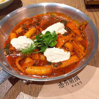 リコッタチーズとエゴマのトッポギ(酒有別腸)