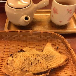 たいやきセット(ナニワヤ・カフェ (Naniwaya cafe))