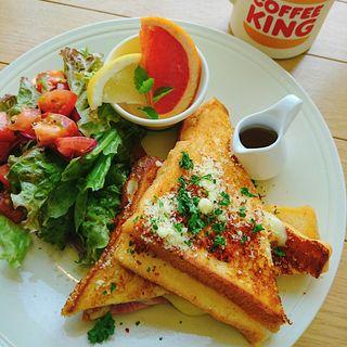 ベーコンとチーズのパンペルデュ(オニジャス コーヒー ヴィレッジ (ONIJUS COFFEE VILLAGE))