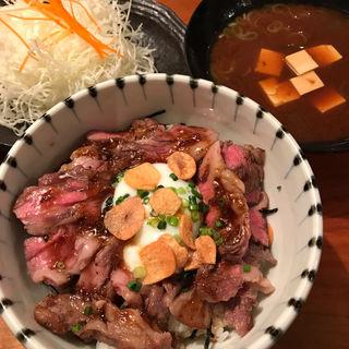 和牛ステーキ丼(岡本庵 )