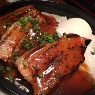 黒豚の角煮丼(はんぞう )
