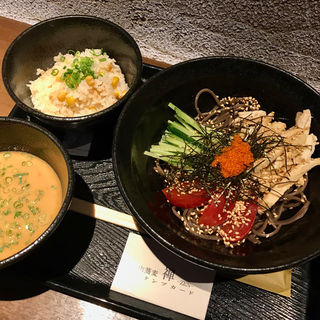 冷たい鶏肉蕎麦(禅 (ゼン))