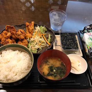 唐揚げ定食(お食事処 山茶花 (サザンカ))