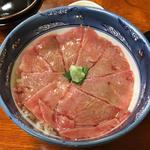 和牛ローストビーフ丼(くまげら)