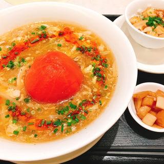信州産トマト丸ごと入り酸辣油麺(天厨菜館 渋谷店 (テンツウサイカン))