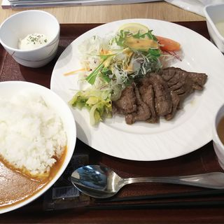 厚切り味噌牛たん麦とろ定食+カレーセット(カレーショップ C&Cダイニング 東京ビッグサイト店)