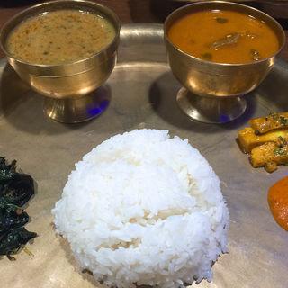 本日のタカリカレー+タカリダルスープ(タカリバンチャ )