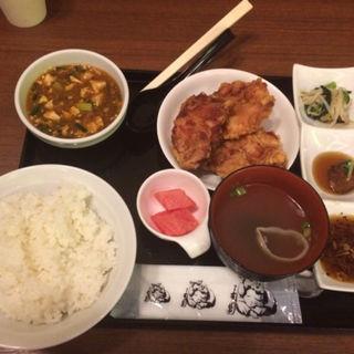 夜のザンギ定食(中国料理 布袋 赤れんがテラス店(ホテイ))