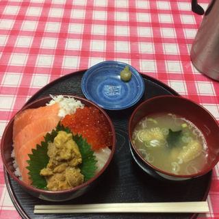 海鮮4品丼(定食 めし屋 )