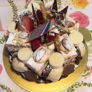 いちじくのやわらかムースと贅沢ナッツのタルト(MAISON RABELAIS (メゾン ラブレ))