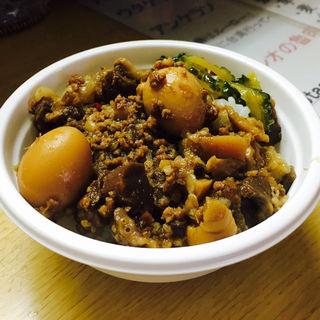 魯肉飯(にっしゃん)
