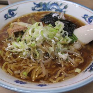 ラーメン(正油)(まる玉食堂 )