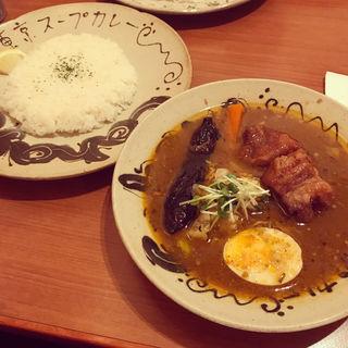 スープカレー(豚の角煮)(チャハヤ (Cahaya))