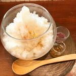 桃とライチのかき氷仕立て
