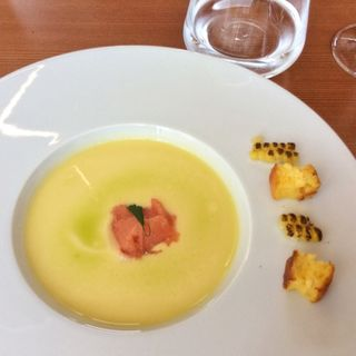 とうもろこしのスープ トマトのソルベ(シエル エ ソル (CIEL ET SOL))
