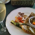 グラスワインと前菜のセット