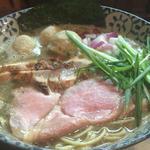 濃厚煮干鶏白湯