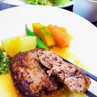 石垣牛とあぐー豚のこだわりハンバーグ+五穀ライス・スープ・サラダ(和cuisine Agg )