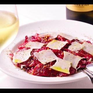 馬肉ロースのカルパッチョ ペコリーノロマーノチーズ添え(ステーキ&トラットリア カルネジーオ)