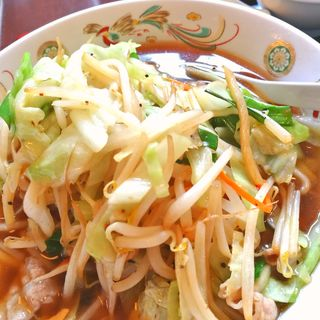 冷し野菜ラーメン(中華料理 栄楽)
