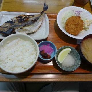 アジのひらきとクリームコロッケの定食(食事処井戸屋 )