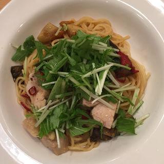 チキンと水菜のペペロンチーノ(ポポラマーマ ツイン21店 (PoPo La MaMa))