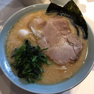 醤油豚骨ラーメン 太麺(丸花 (○花))