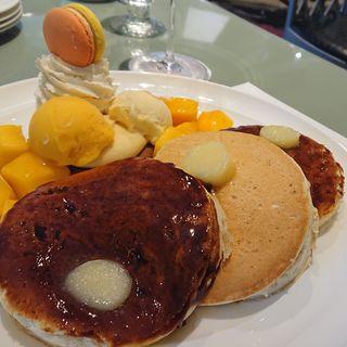 ホテルニューオータニ特製 マンゴーパンケーキ(SATSUKI  (サツキ【旧店名】アゼリア))