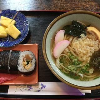 うどん+巻き寿司(1/2)セット (魚権 )