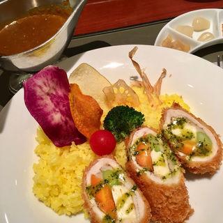チーズインチキンカツカレー(カレーダイニング アビオン (Curry Dining AVION))