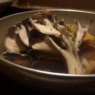 蒸しウニ 舞茸 青柚子のお椀(西麻布 き久ち (にしあざぶ きくち))
