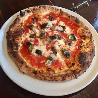 真鰯とアンチョビ ケッパー モッツァレラチーズのピザ(パラッツォ サン グスト (Palazzo San Gusto))