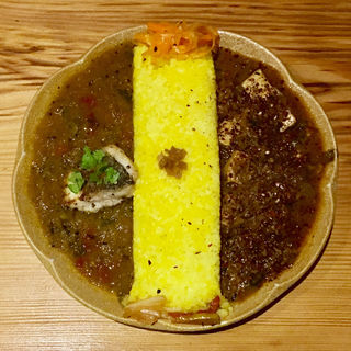 黒鯛のカレー & 麻婆豆腐カレー(バー カナタ (Bar Kanata))