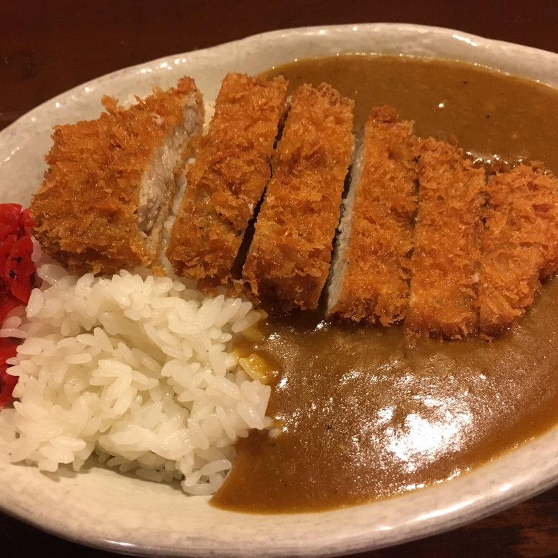 ガッツリと味わう!愛知県で食べる絶品カツカレー10選