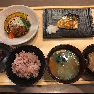 五穀 田舎定食(五穀 アリオ北砂店 (ゴコク))