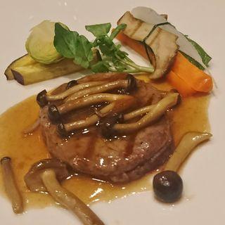 牛フィレ肉のグリエ きのこの香るソース 温野菜添え(ザ・サーティス レストラン (The 30th Restaurant))