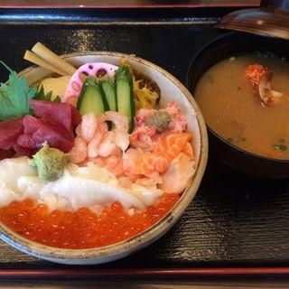 まかない丼(江戸前寿し食べ放題 漁師料理の店 うみめし アトレヴィ大塚店 )