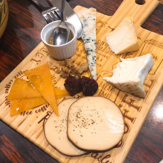 チーズ盛合せ(SABOU 虎ノ門店 (サボウトラノモンテン))