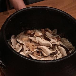 岩手県宮古松茸 炊き込みご飯(まき村 (まきむら))